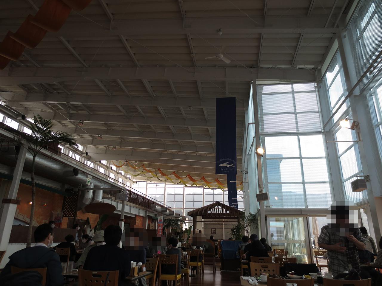 開放的な店内の写真