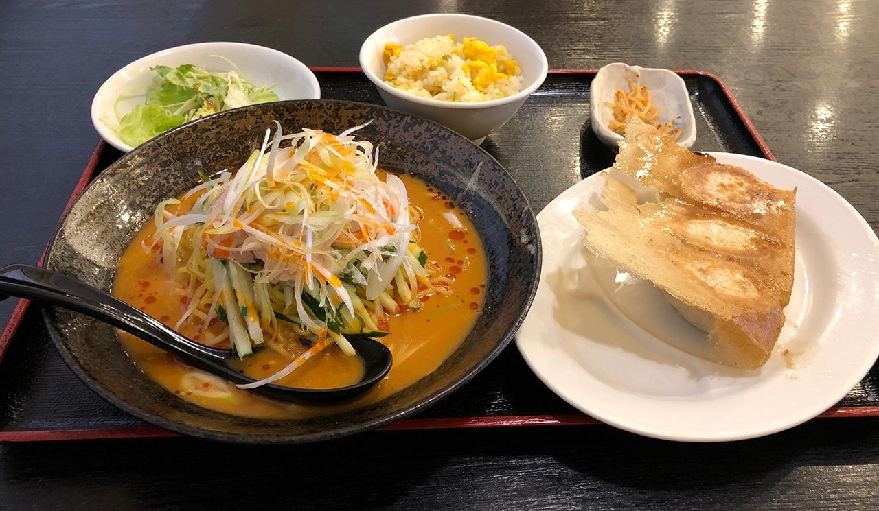 バンバンジー冷麺定食の写真