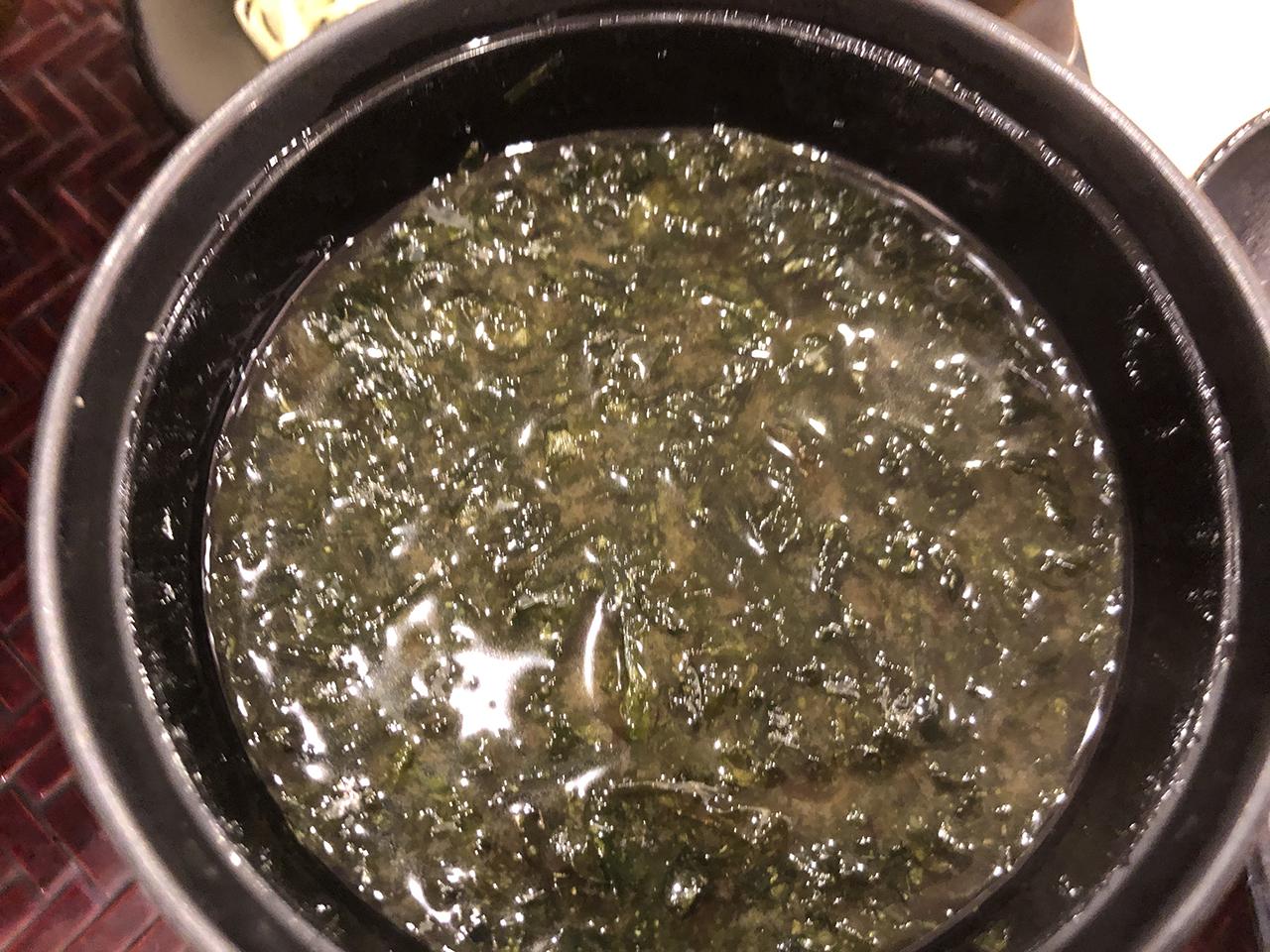 アオサのお味噌汁のアップ写真