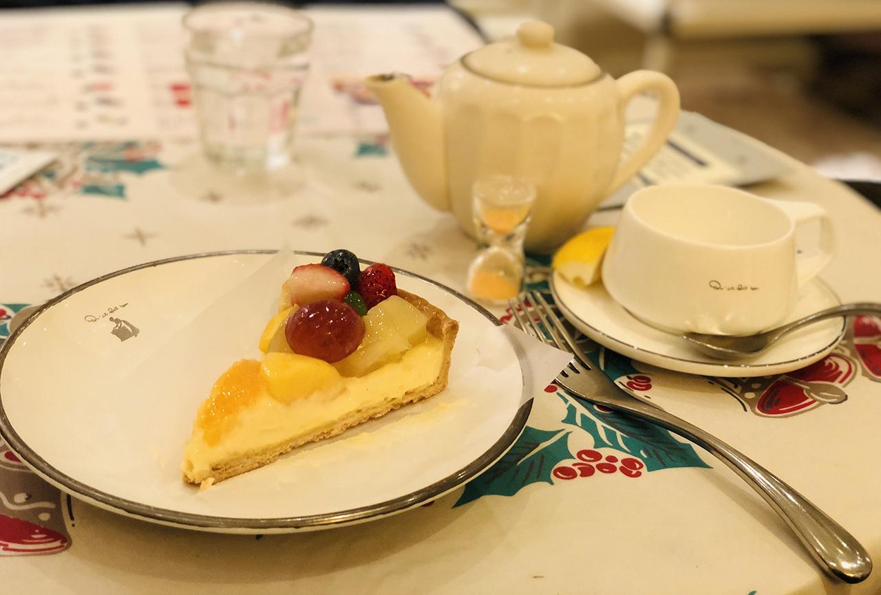 タルトと紅茶の写真