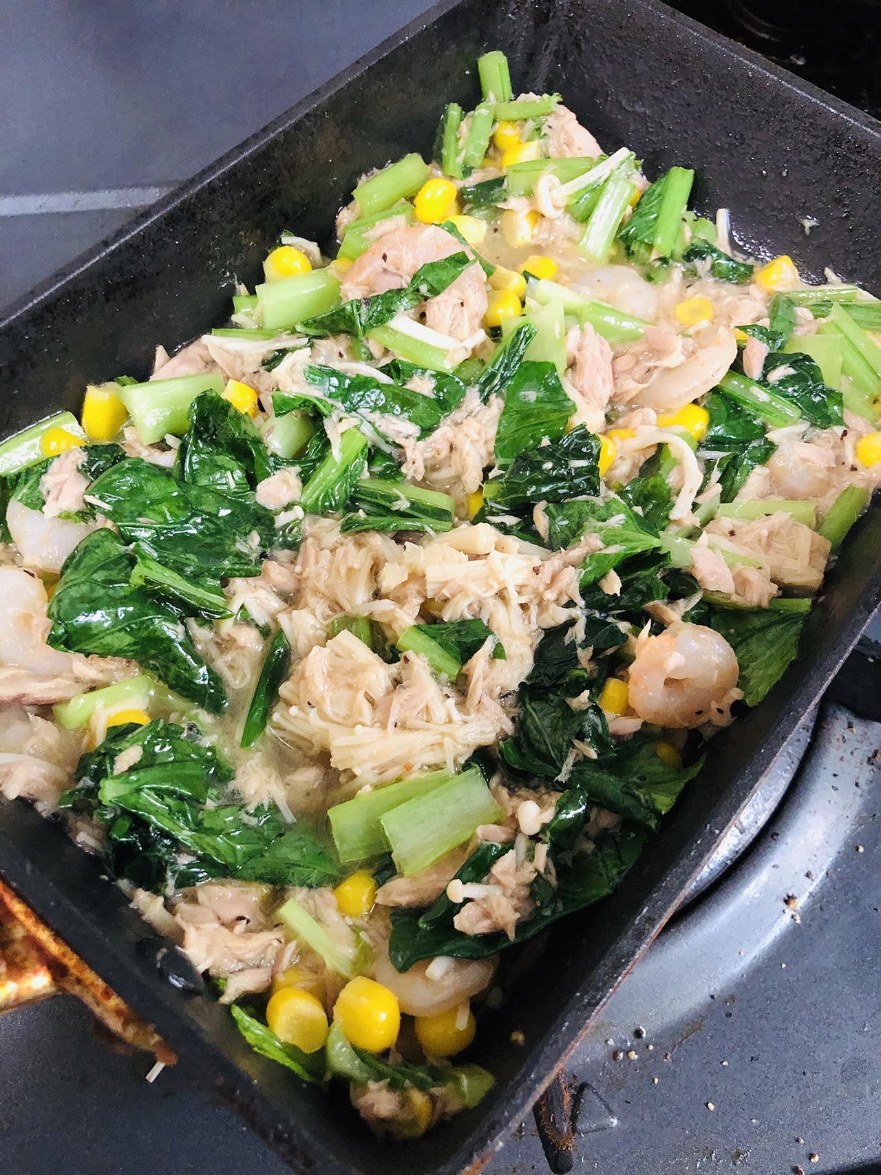 ほうれん草・ツナ・卵の炒め物の写真
