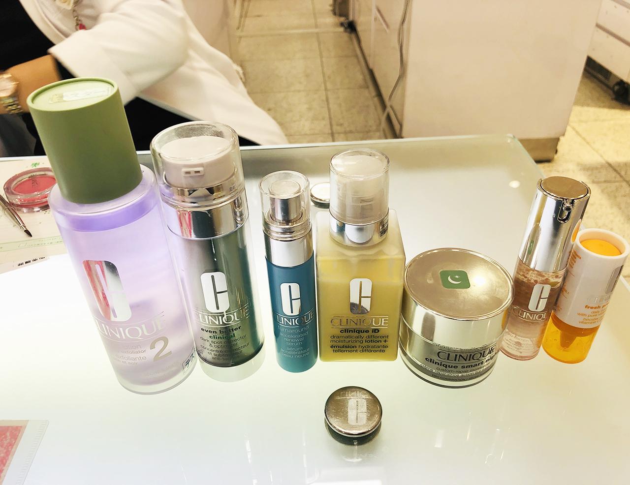 化粧品一式の写真