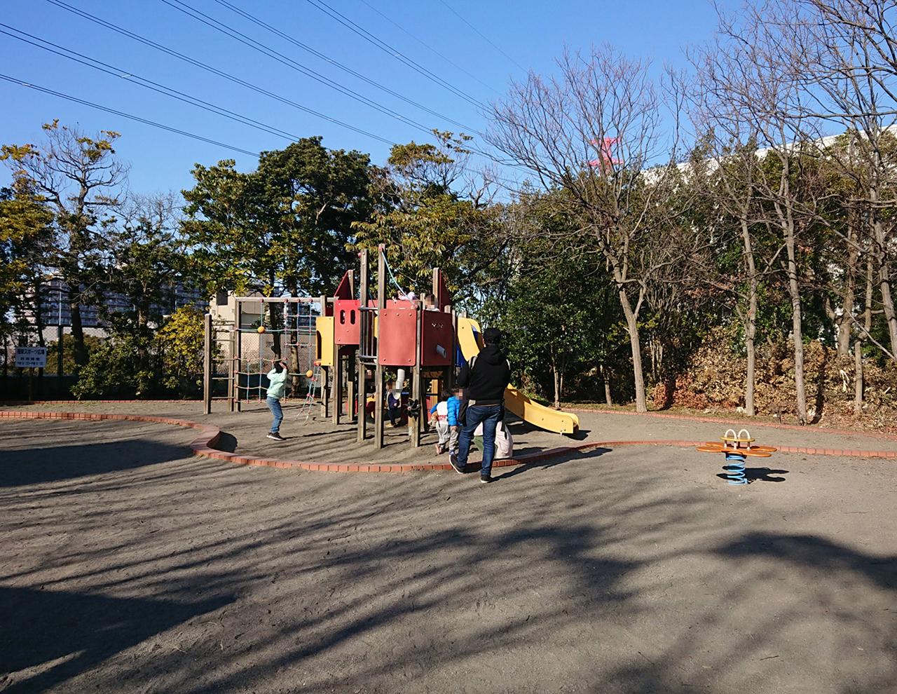 幼児コーナーの複合遊具の写真