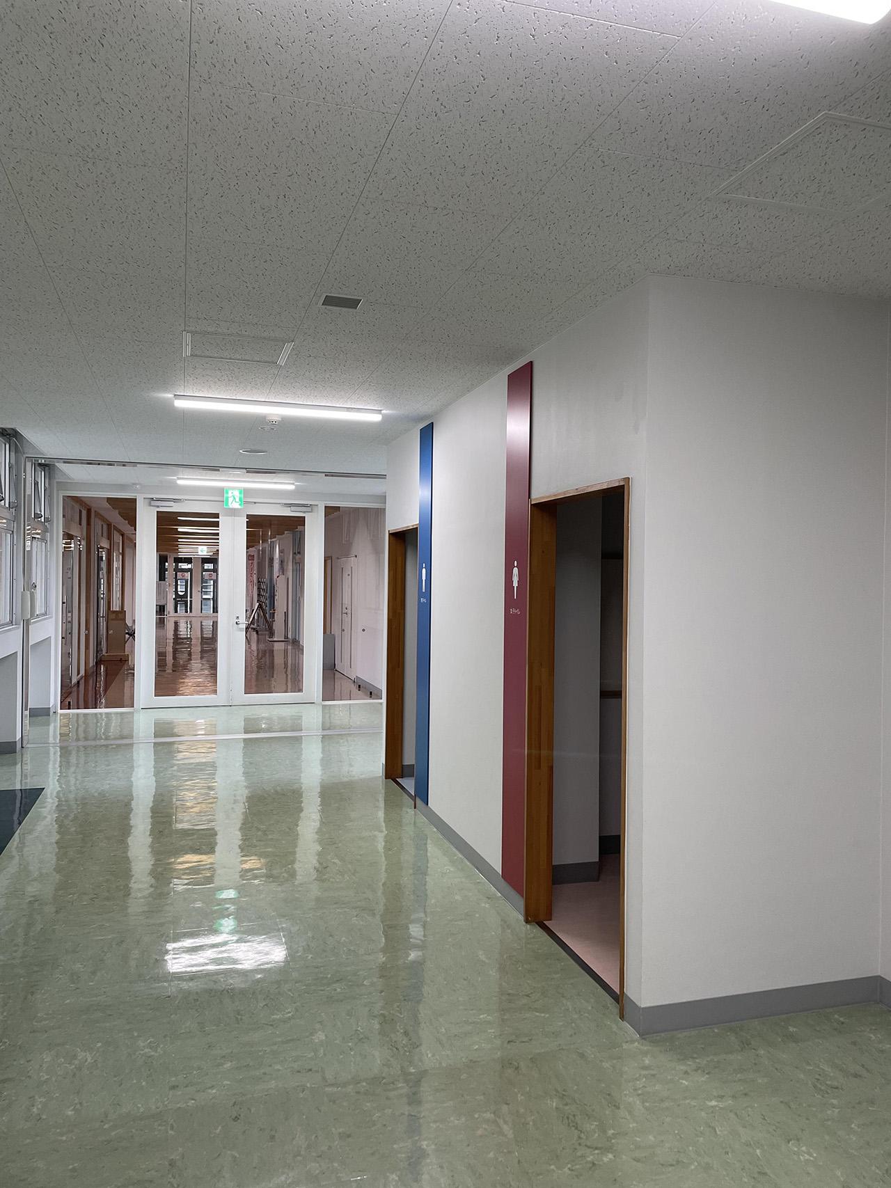 館内の廊下の写真