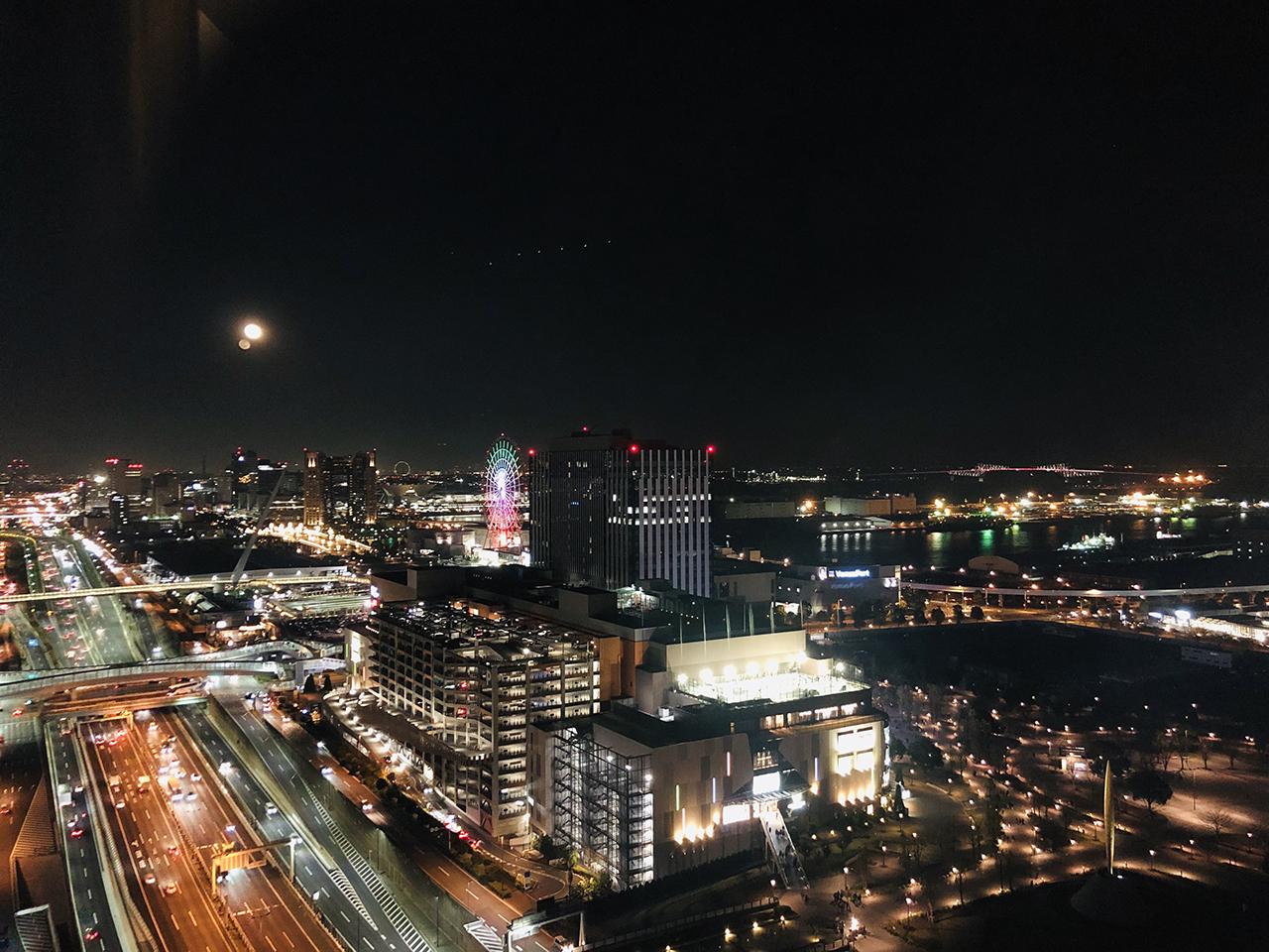 窓から見る景色の写真3