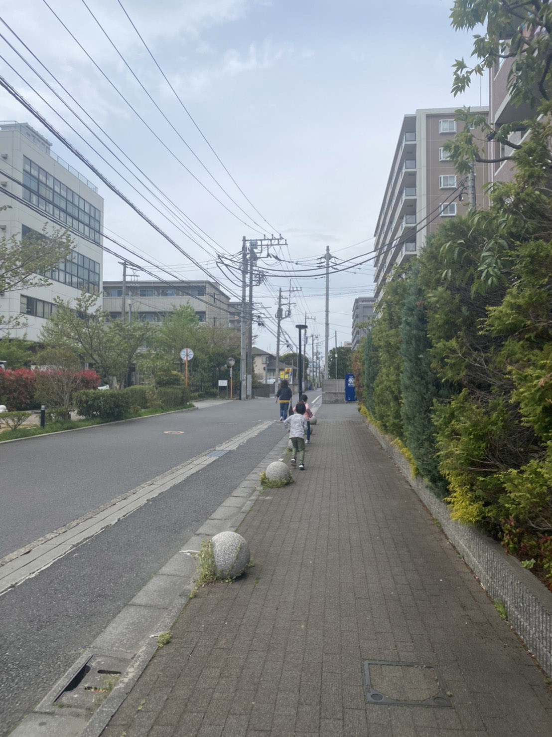 真っ直ぐな道路の写真