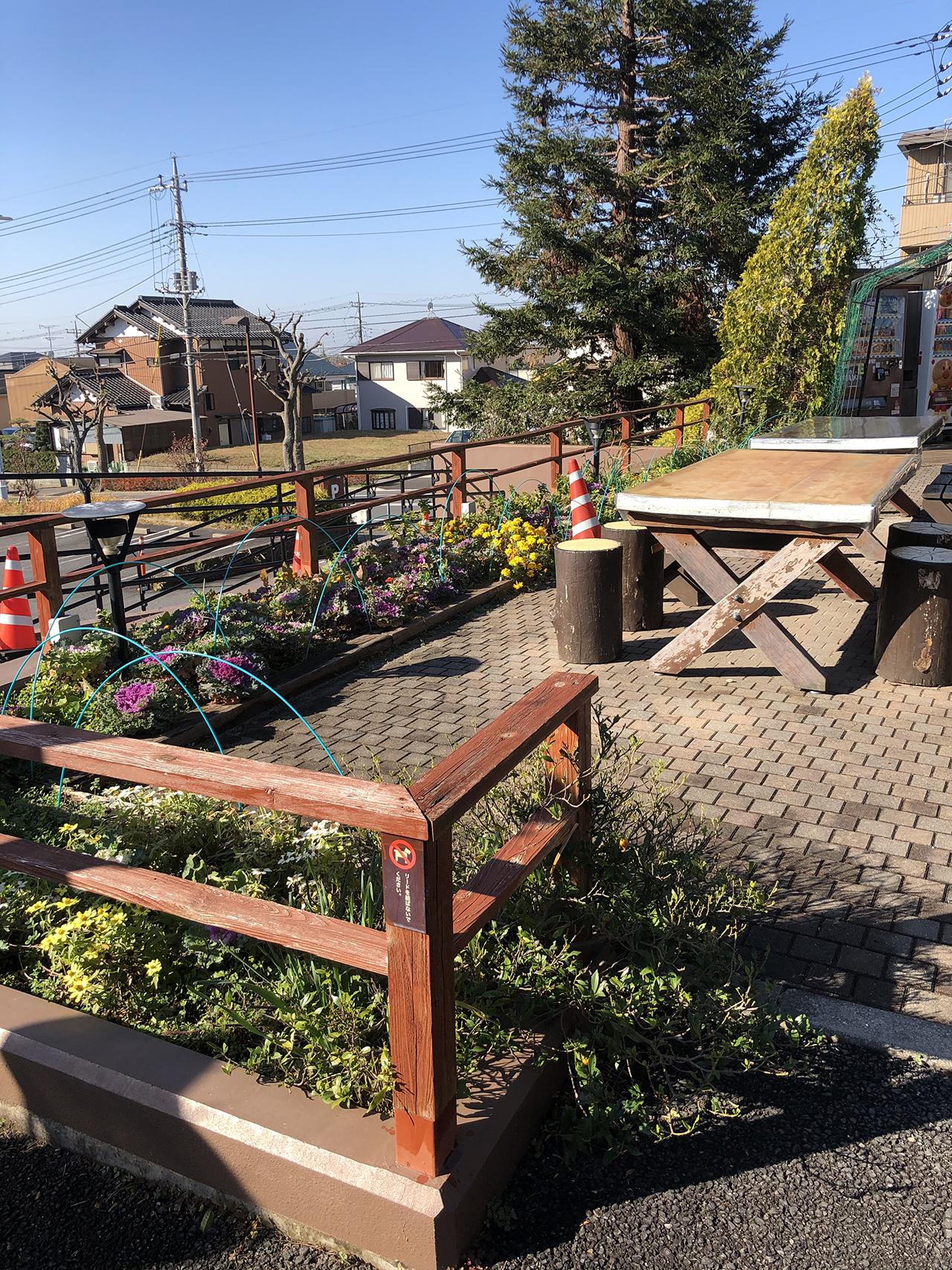 オープンカフェ席の写真