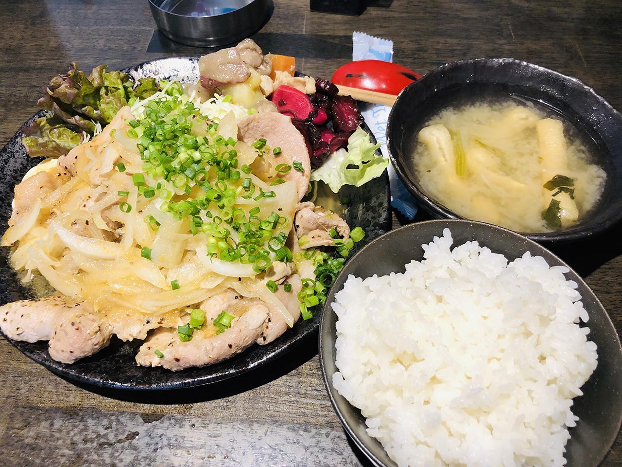 生姜焼き定食の写
