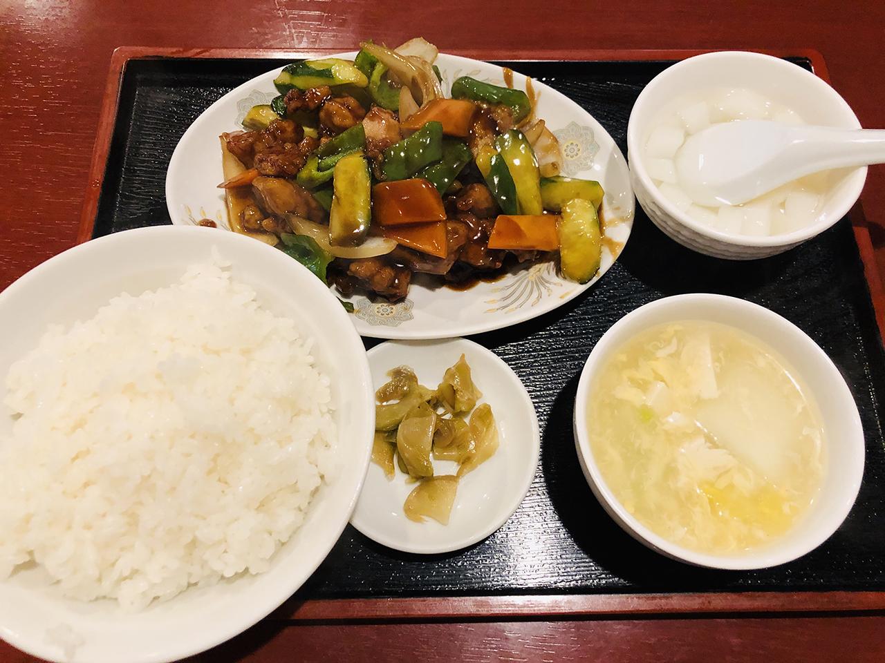 黒酢鶏定食の写真