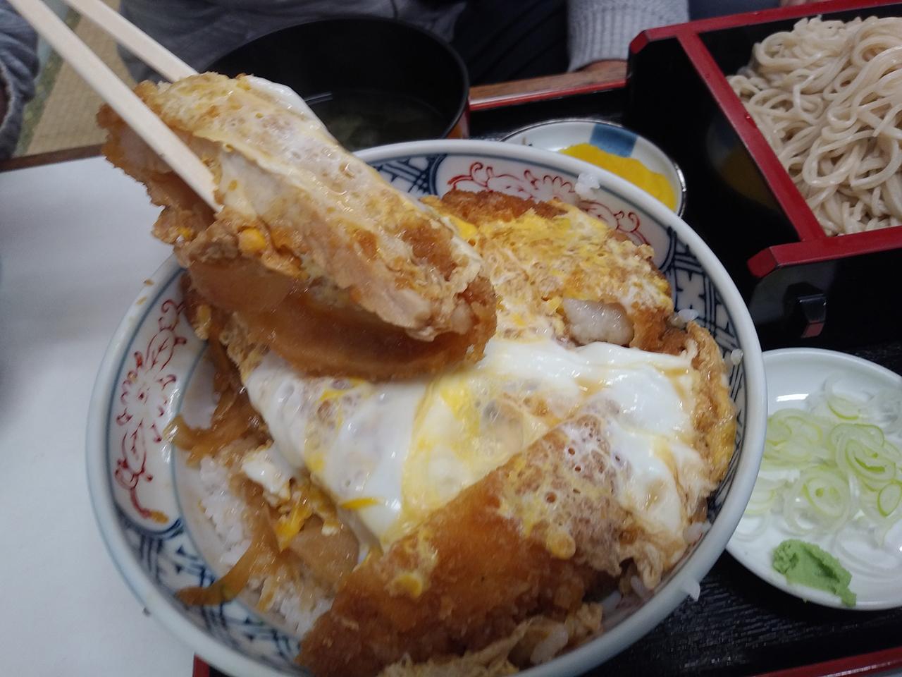 カツ丼のアップ写真2